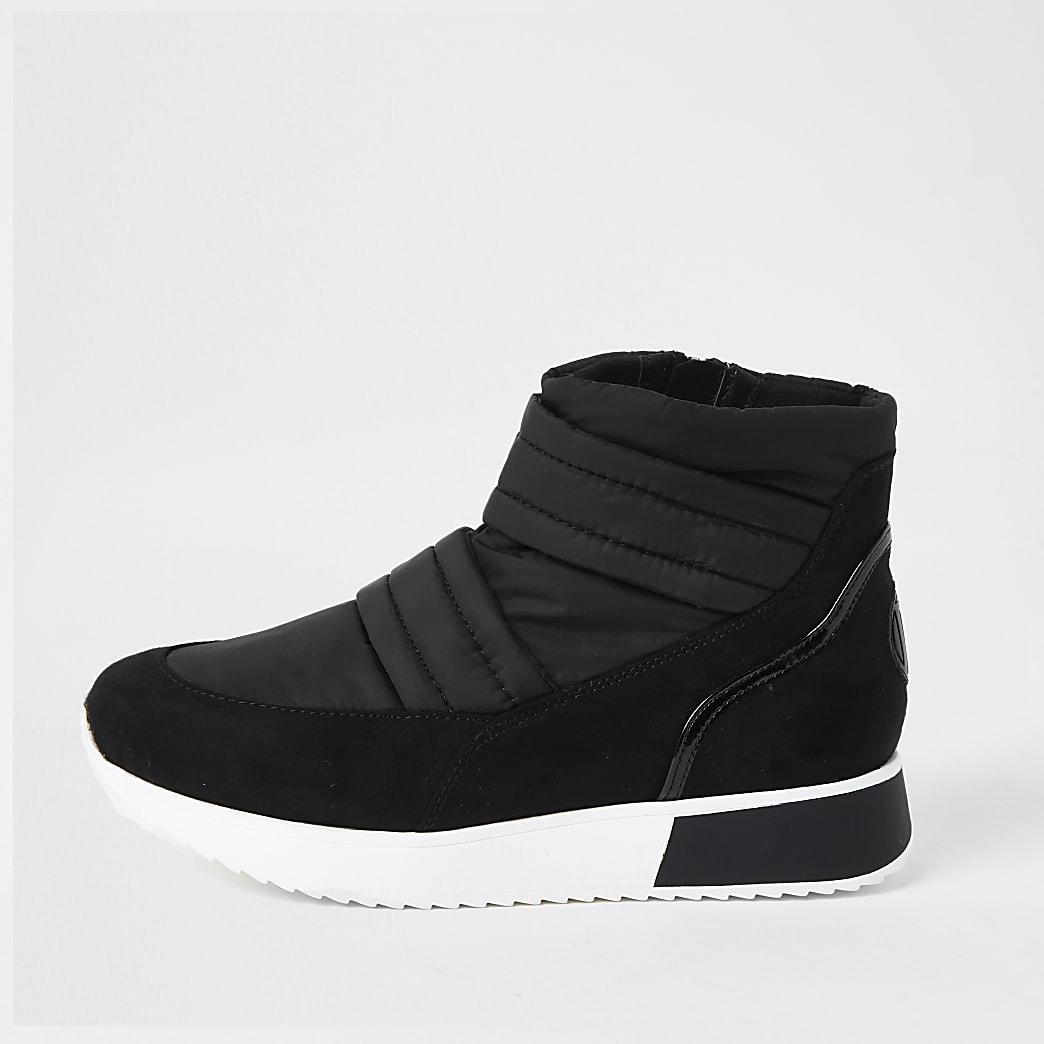 Black RI padded ski boots