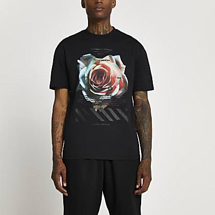 Black rose graphic t-shirt