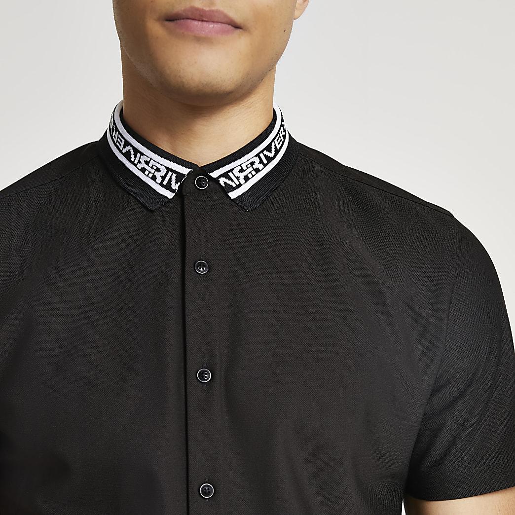 Black RR collar muscle fit short sleeve shirt