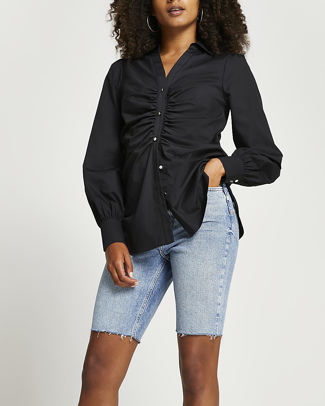 Black ruched front long sleeve shirt