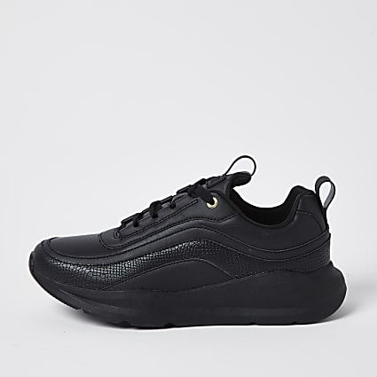 Black RVR trainers