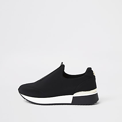 Black scuba pull on runners