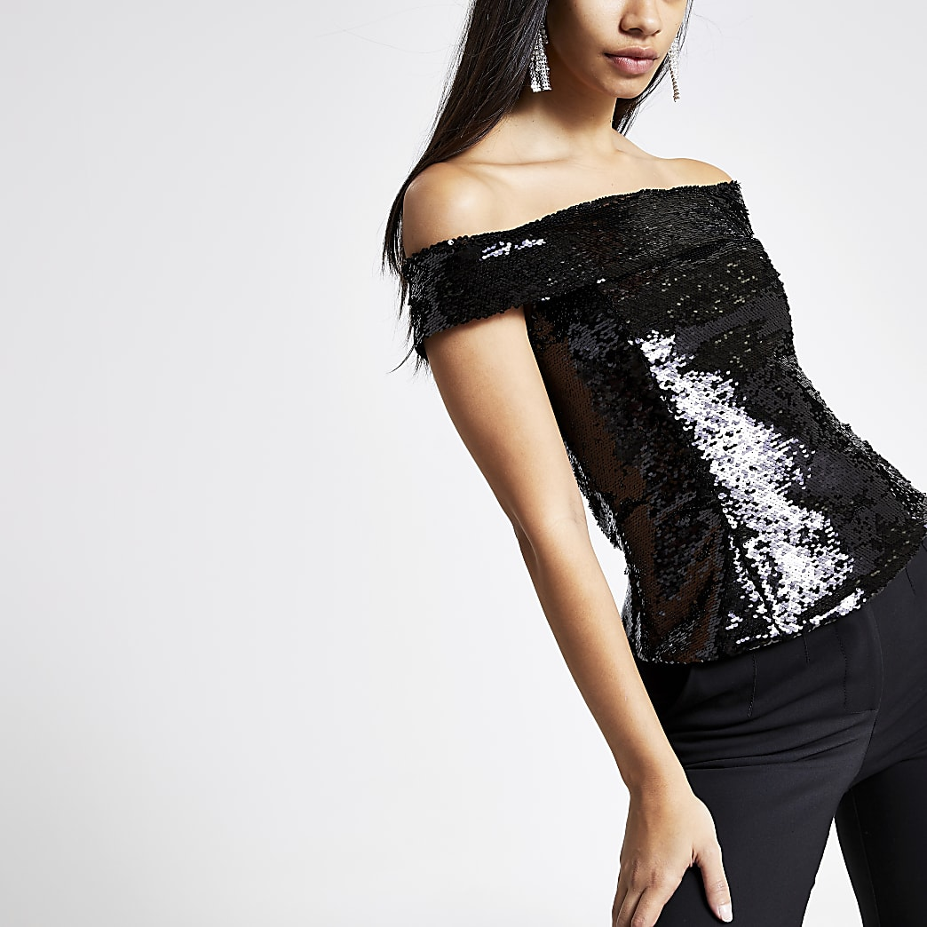 Top Bardot noir orné de sequins
