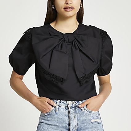 Black short sleeve bow puff sleeve top