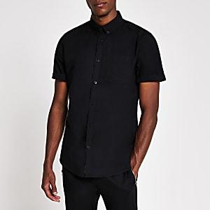 Schwarzes, kurzärmeliges Oxford-Hemd mit Brusttasche
