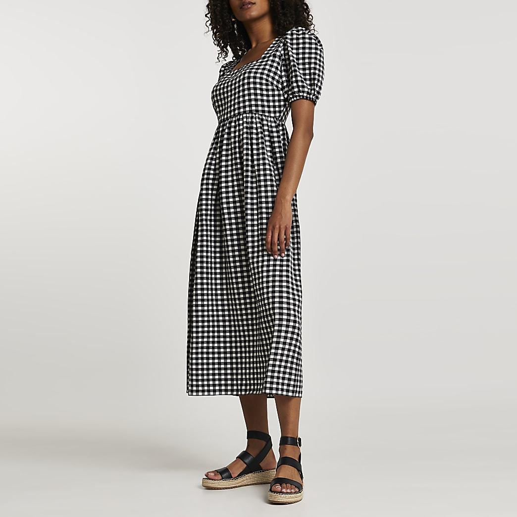 Black short sleeve gingham smock dress