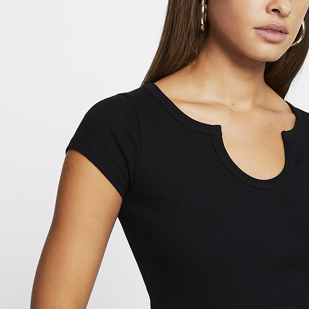 Black short sleeve notch neckline t-shirt