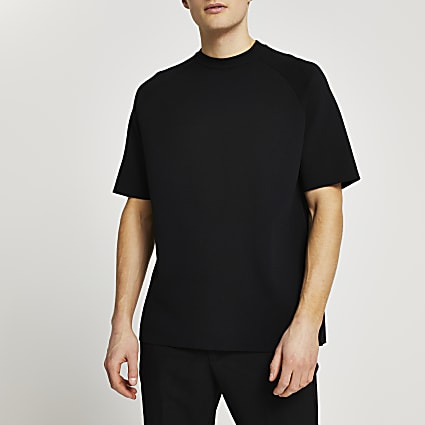 Black short sleeve raglan oversized t-shirt
