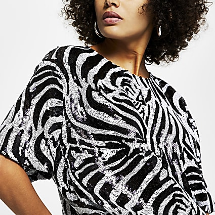 Black short sleeve zebra print sequin t-shirt