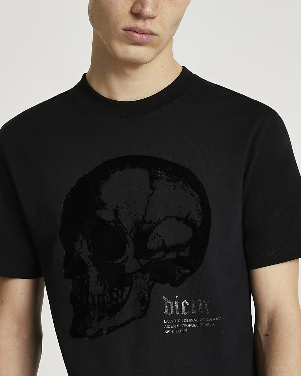 Black skull graphic slim fit t-shirt