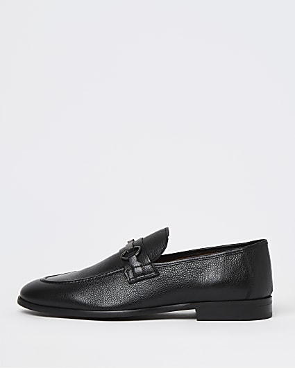 Black snaffle detail loafers