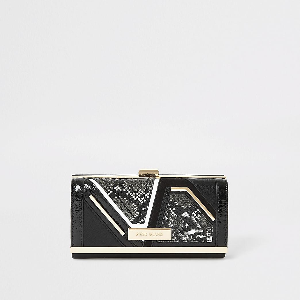 Zwarte portemonnee met knipsluiting en slangenprint in reliëf