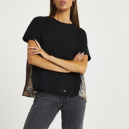Black snake print t-shirt