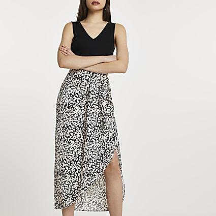 Black spot front spilt midi skirt