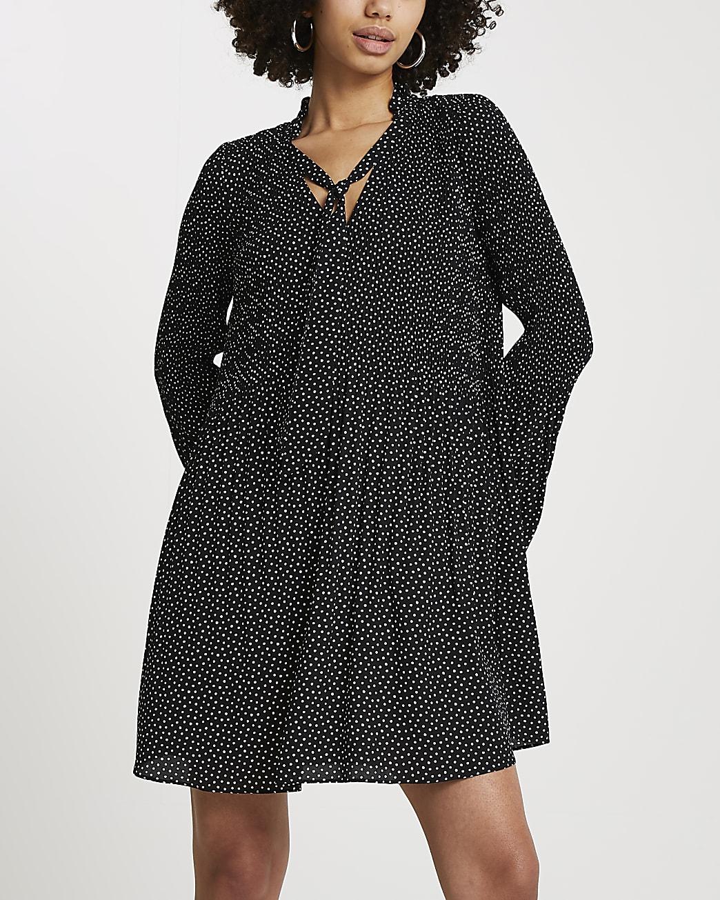 Black spot print pleated mini dress