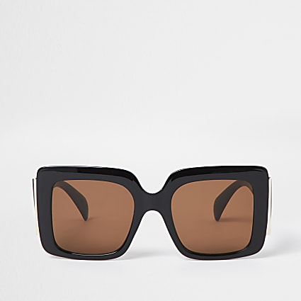 Black square glam sunglasses