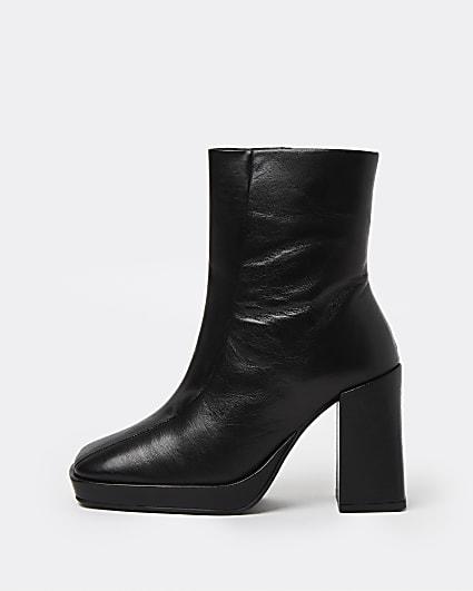 Black square toe platform boots