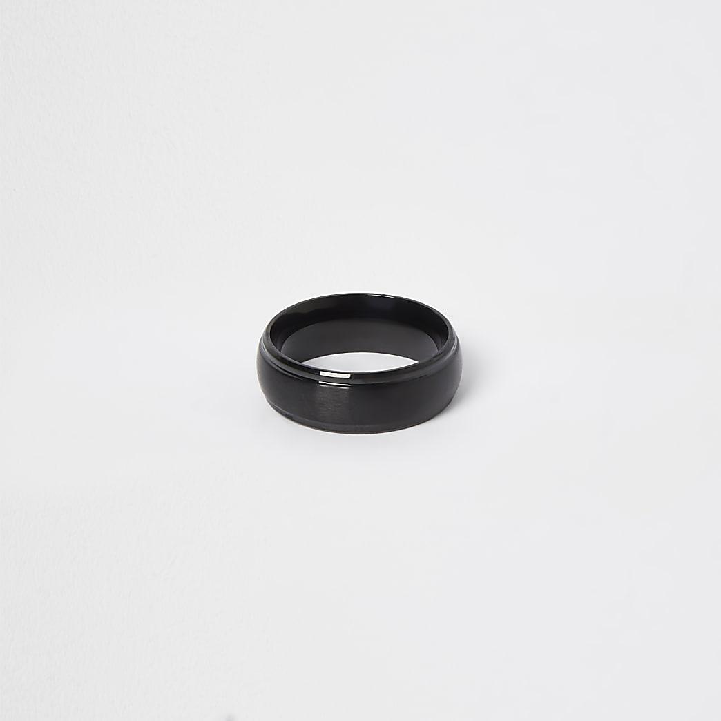 Black stainless steel ridge band ring