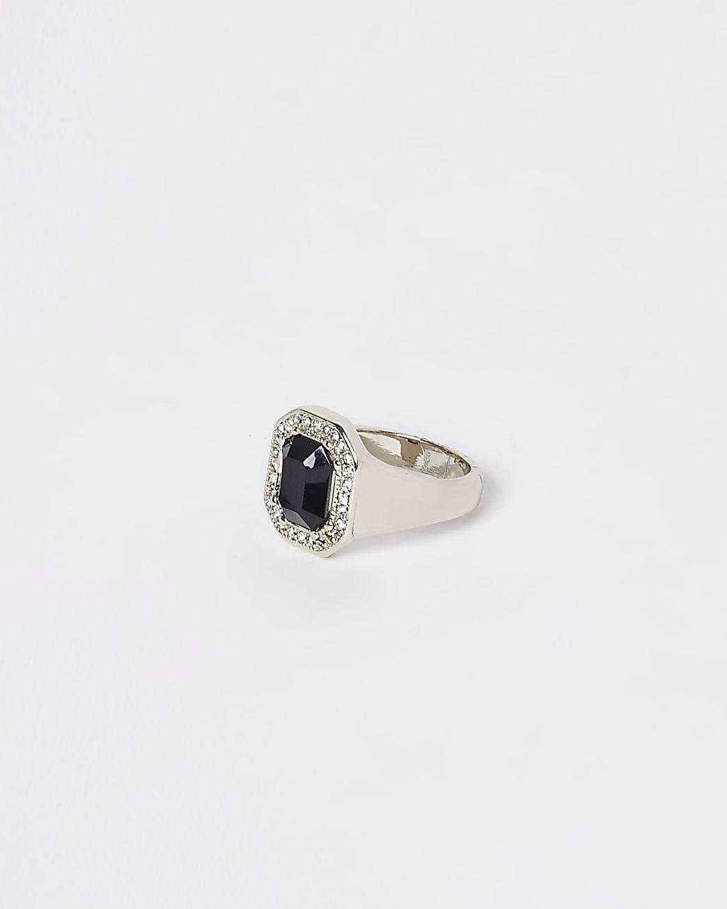 Black stone colour diamante ring