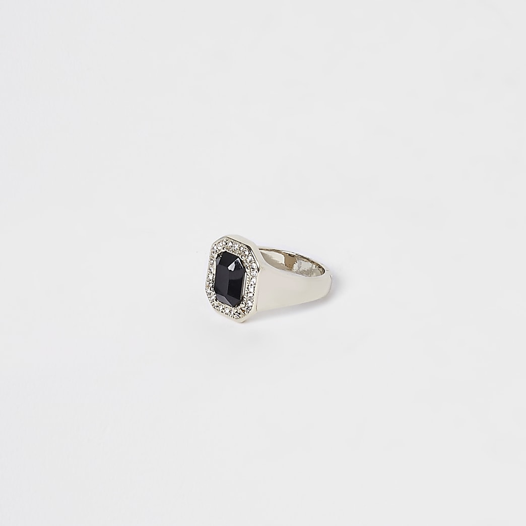 Black stone colour diamante ring