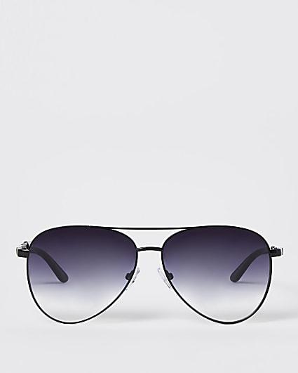 Black stud chain aviator sunglasses