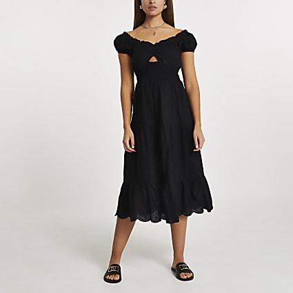 Black sweet heart neck midaxi dress