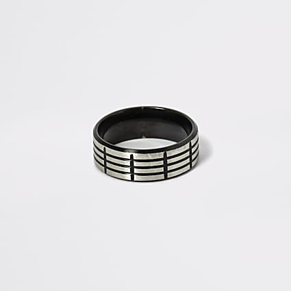 Black textured stainless steel ring