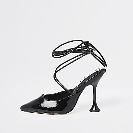 Black tie detail court shoe