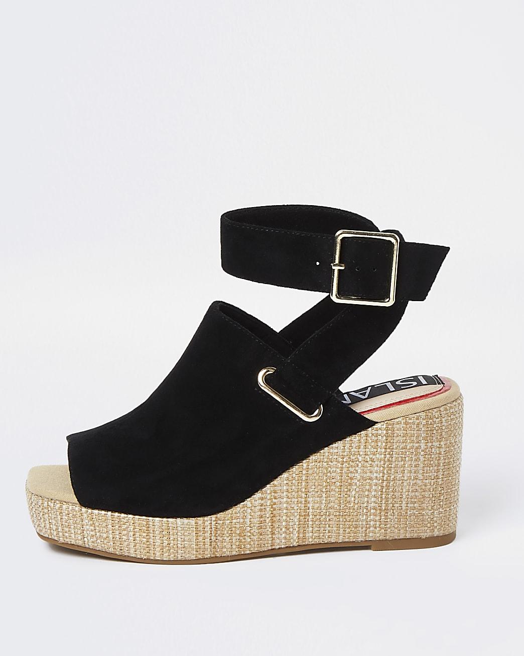 Black wedge shoe boots