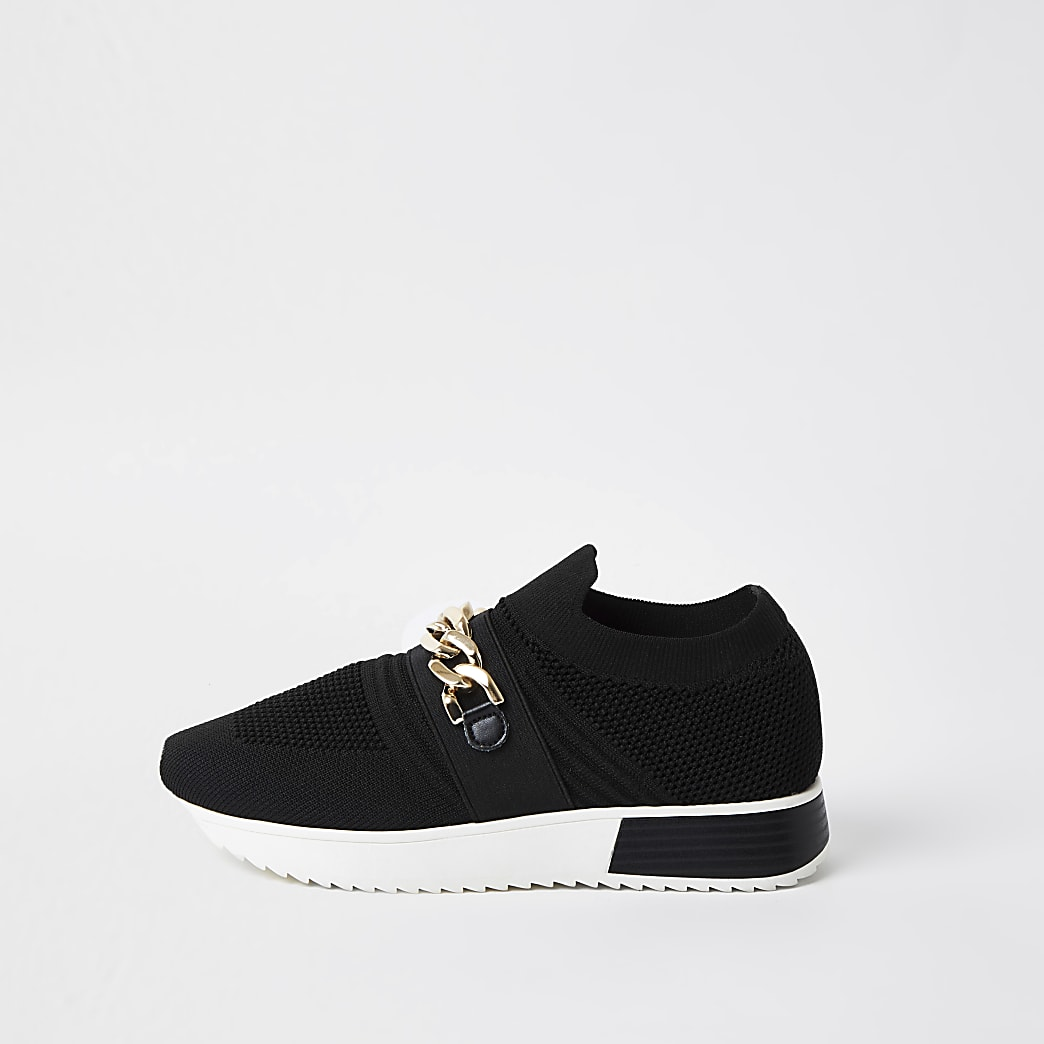 Black wide fit chain runner trainers
