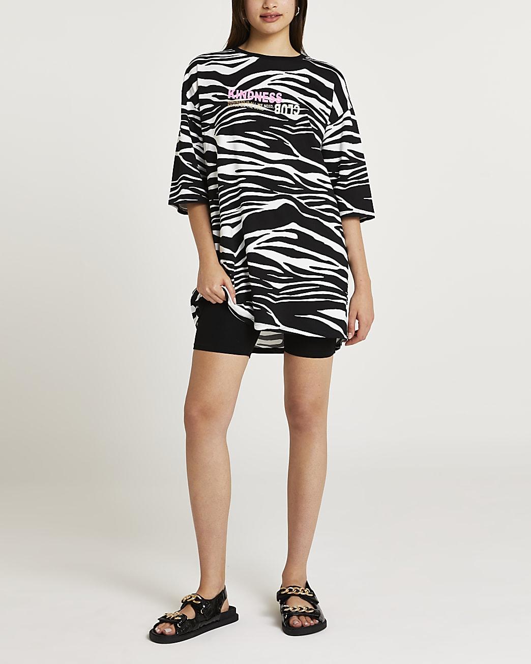 Black zebra print graphic oversized t-shirt