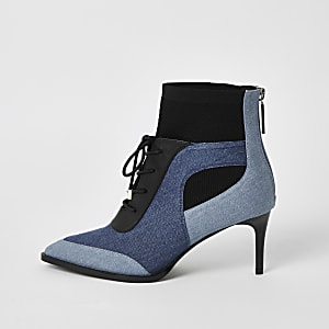 Blauwe denim laarzen met kleurvlakken, hak en vetersluiting