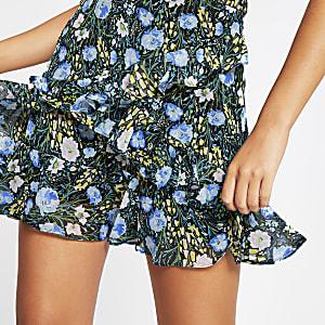Blauwe gelaagde chiffon minirok met bloemenprint