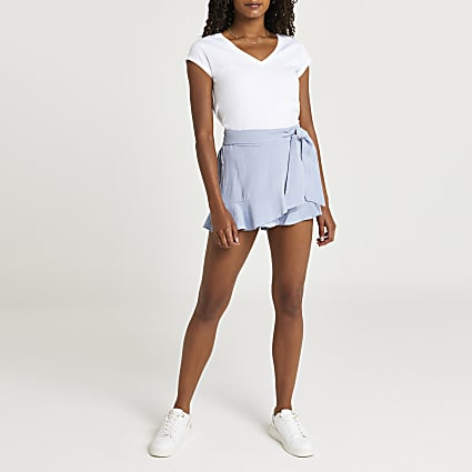 Blue frill hem linen shorts