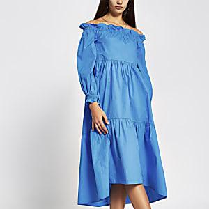 Blauwe midi-jurk met bardot halslijn en lange mouwen