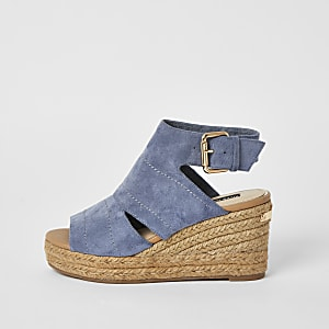 Blauwe sandalen met sleehak en open voorkant
