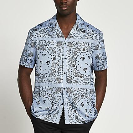 Blue paisley short sleeve revere shirt