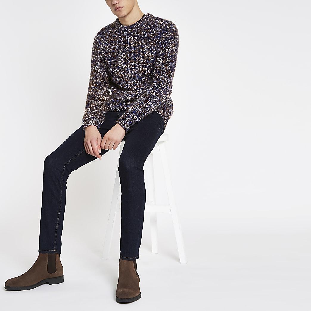 Blauwe aansluitende grofgebreide pullover