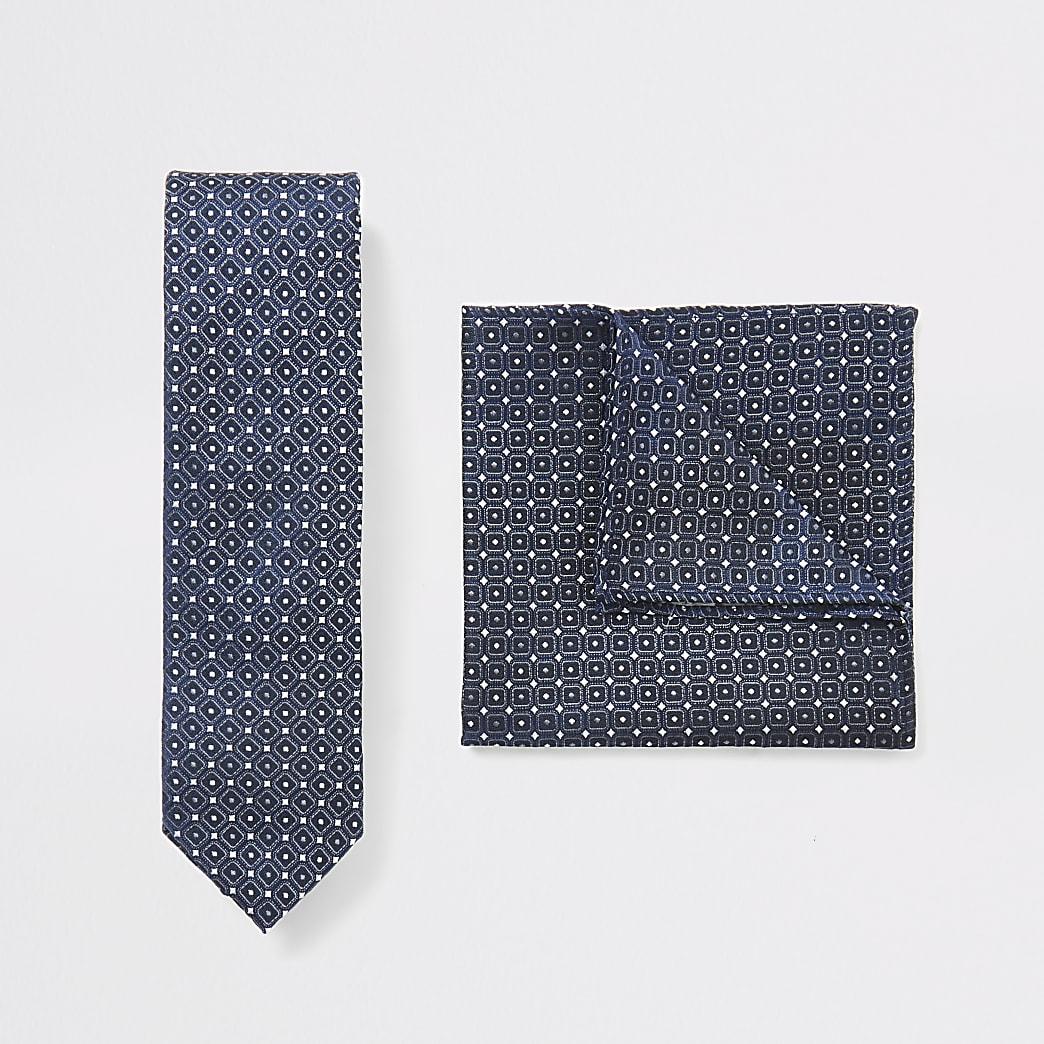 Set met blauwe stropdas en zakdoek met geoprint