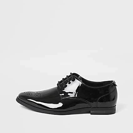 Boys black patent pointed toe shoes