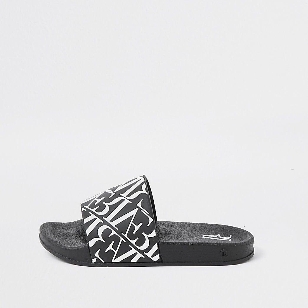 Boys black River print sliders