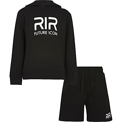 Boys black RR hoodie outfit