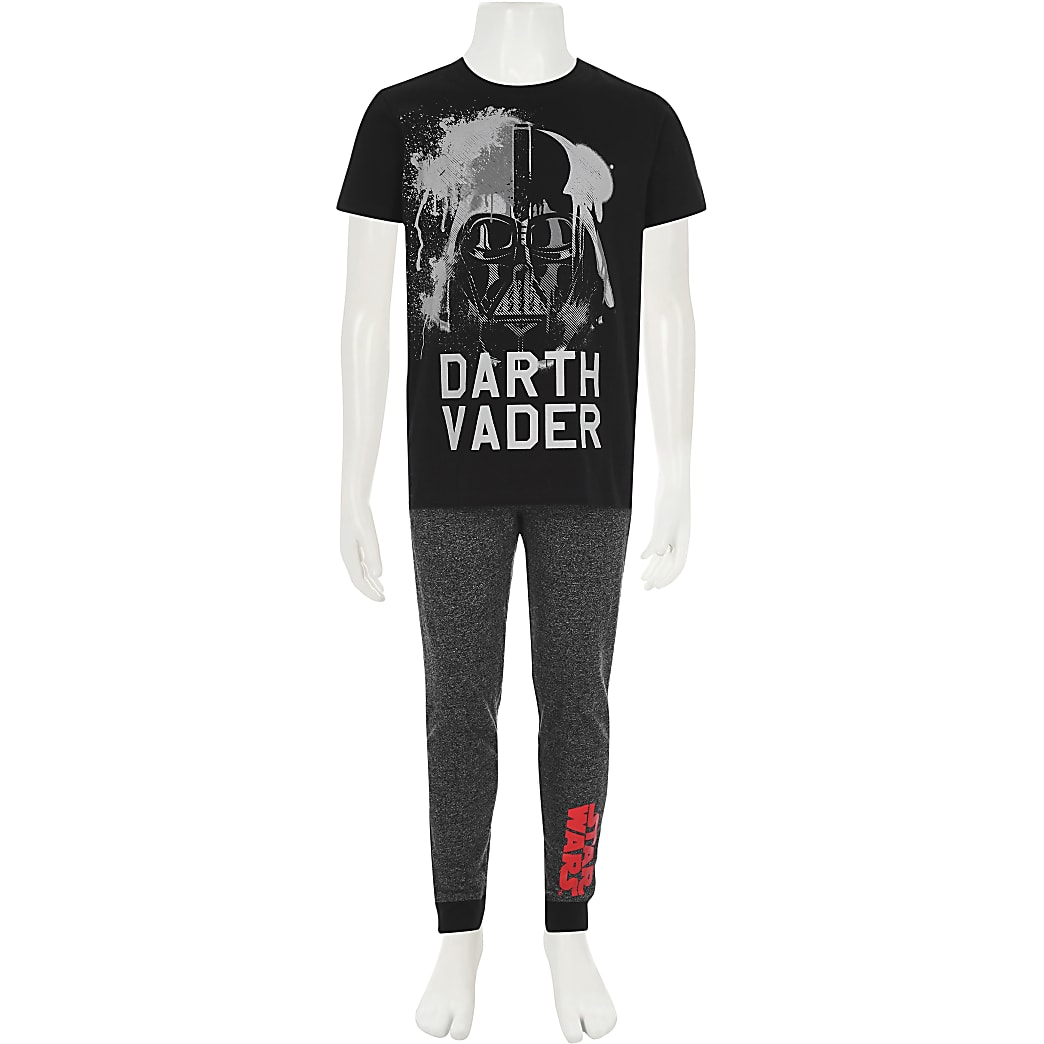Boys Star Wars Darth Vader Pyjamas PJs /& Dressing Gown Set Age 3-4 Years