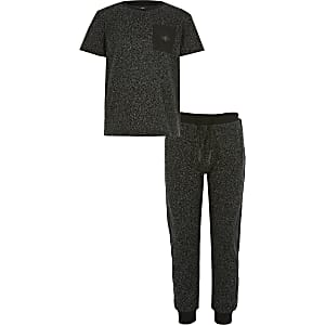 Boys black textured T-shirt outfit