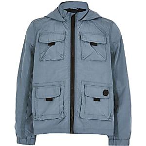 Blaue Nylonjacke mit Fronttaschen und Kapuze