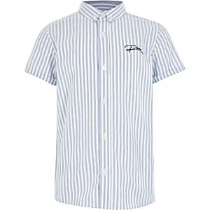 Blau gestreiftes Hemd mit durchgehender Knopfleiste für Jungen