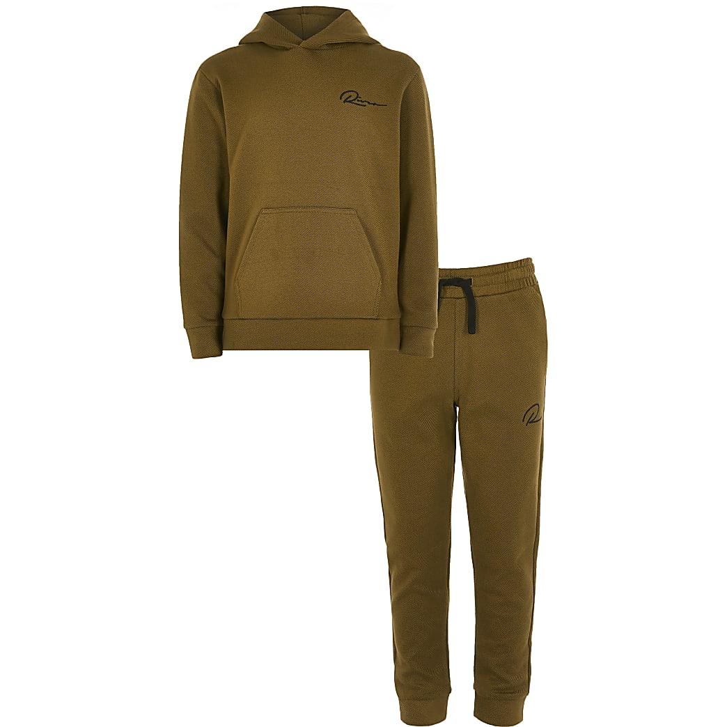 Bruine hoodie outfit van keperstof met 'Riveria'-tekst voor jongens