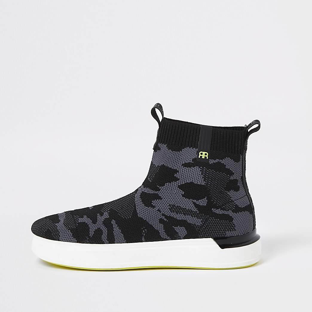Boys green camo high top trainers