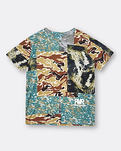 Boys green camo print t-shirt