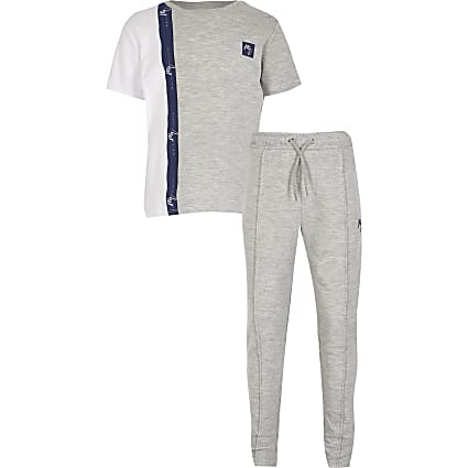 Boys grey colour blocked t-shirt outfit